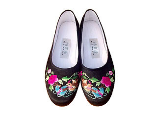 Chinese Handmade Silk Embroidery Shoes